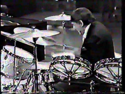 OSCAR  PETERSON, p ,,CUTE,,feat. LOUIE BELLSON,dr(UK1980..