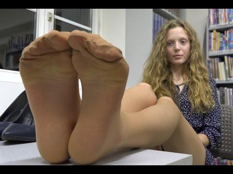 Koni demiko anal