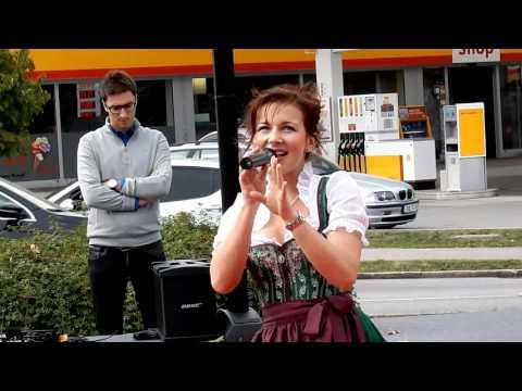 Romy 04.10.15 @ Pocking Outlets & More (Sommer In Bayern)