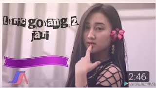 Download Sandrina - goyang 2 jari ( official music vidio lyric )