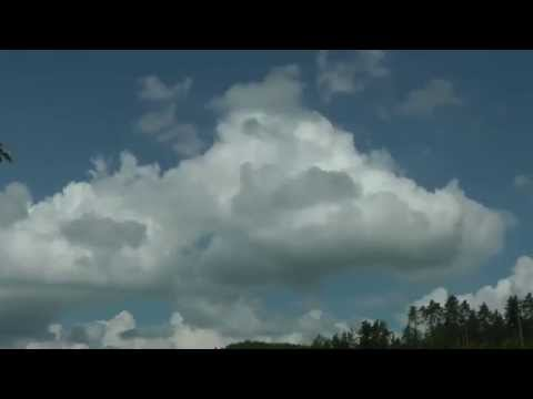 Cumulus clouds life cycle