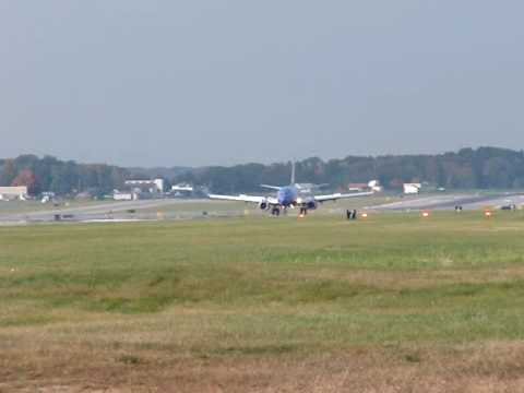 Southwest Airlines 737 Lands at Albany International (KALB)