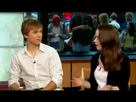 Entrevista com Anna Popplewell e William Moseley  LEGENDADO