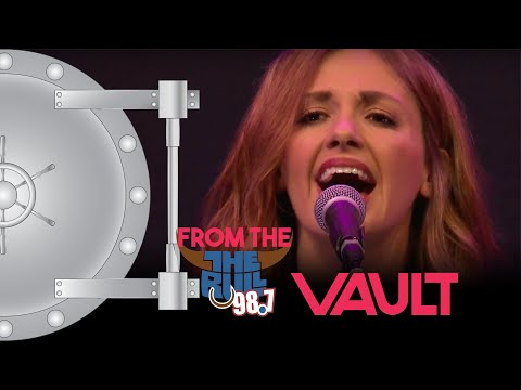 Carly Pearce - Every Little Thing (98.7 THE BULL)