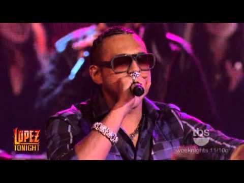 Sean Paul - Hold My Hand ( Live ) Lopez Tonight 2009