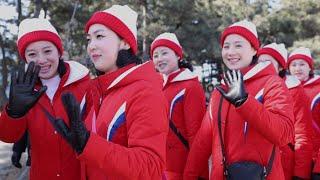北 응원단, 방남 이후 첫 나들이…경포대ㆍ오죽헌 관광 / 연합뉴스TV (YonhapnewsTV)