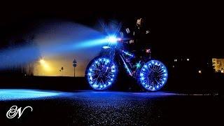 Подсветка велосипеда – стань самым ярким велосипедистом!(Подсветка велосипеда – полезная вещь для катания в темное время суток. Видео рассказывает о разных видах..., 2015-12-11T19:39:26.000Z)