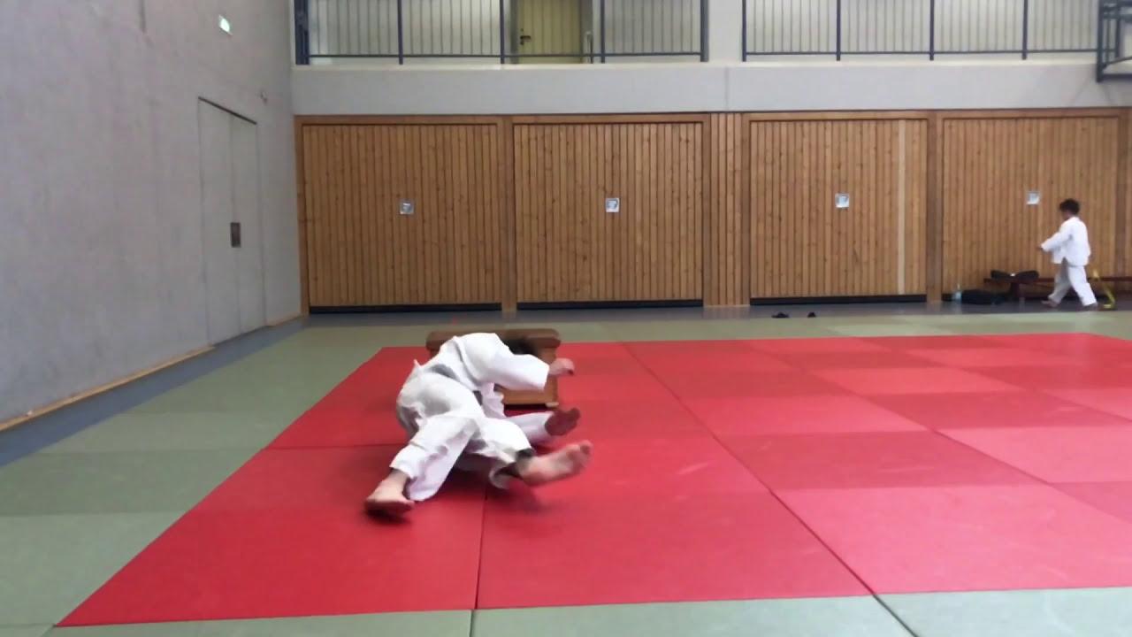 Freier Fall über Einen Kasten Judo Fallschule Nwjv