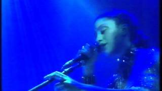 Tricky & Martina Topley Bird - Makes Me Wanna Die live