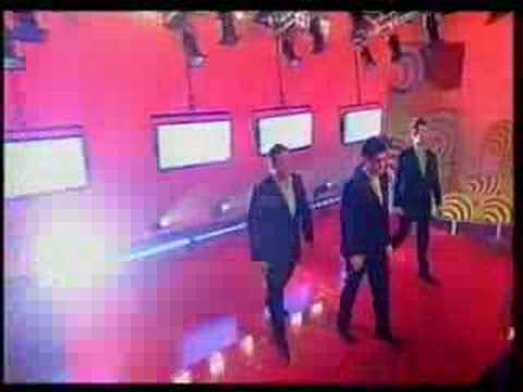 G4 singing Yellow on TOTP Reloaded