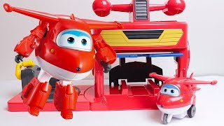Super Wings - Unboxing del Playset Hangar con il Personaggio di Jett [Apertura Gioco in Italiano]