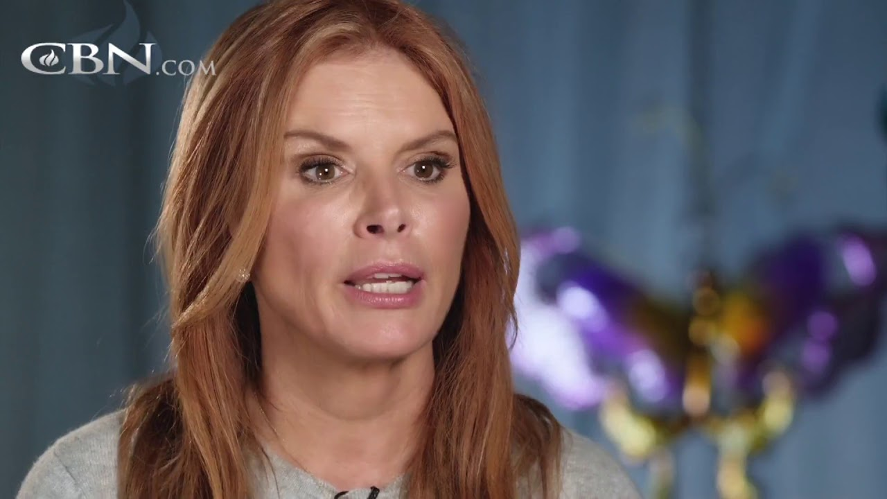Roma Downey Discovers Light In The Darkest Moments Youtube