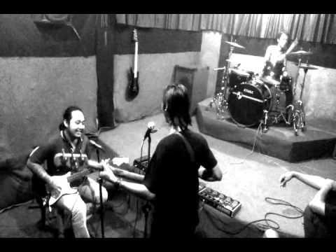 Lobow - Kau Cantik hari Ini (cover) By dennis Fuch And The Band