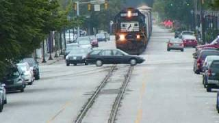 MUST WATCH! CLOSE CALL! NS 156 Street Running down 6th Street! AWESOME HORN ACTION/CONSIST!