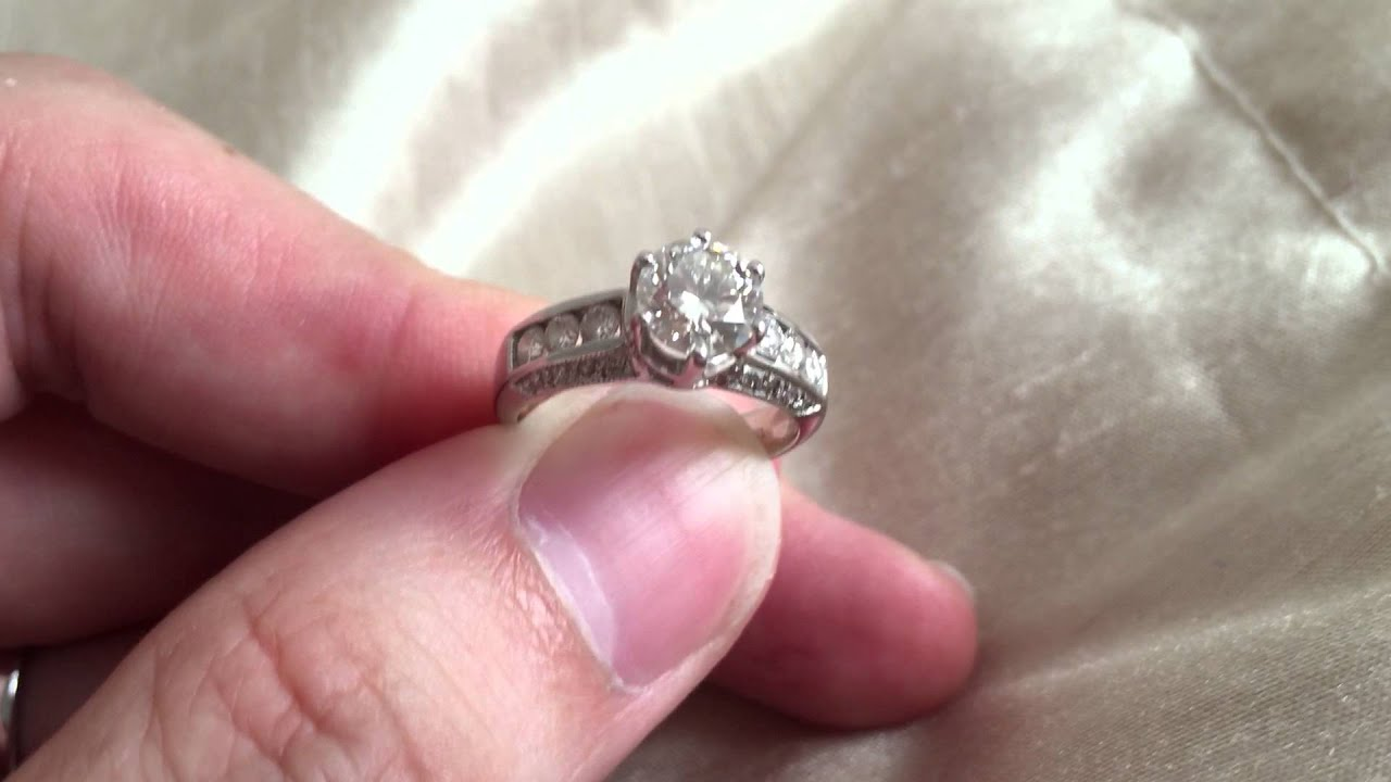 Video 2 of 2: GIA Certified 1 Carat Diamond, I Colour, VVS2 Clarity ...