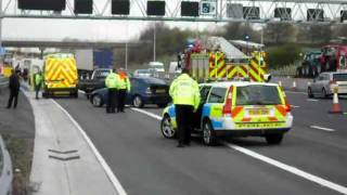 Notts Fire and Rescue Responding to RTC