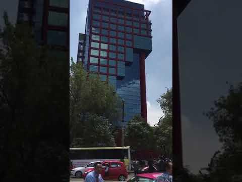 Momentos del Temblor en México DF,  Avenida Reforma e Insurgentes