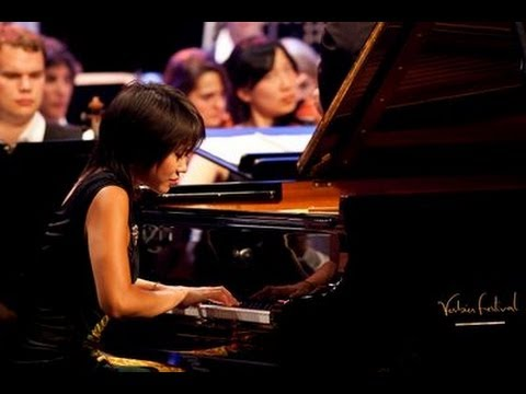 Yuja Wang plays Rachmaninoff : Piano Concerto No. 2 in C min