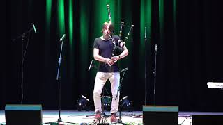 The Sleeping Tune and AC/DC Thunderstruck by great Scottish piper Ross Ainslie in Aberdeen
