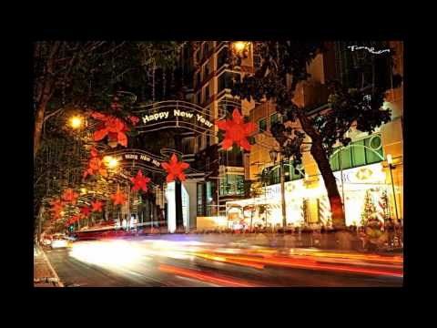 2013 the best Christmas song....Saigon Centre