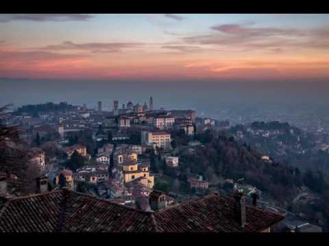 Timelapse tramonto città alta con audio