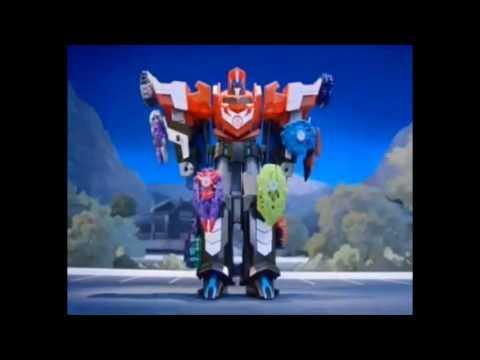 Трансформеры Роботы под прикрытием: Заряженый Оптимус Прайм