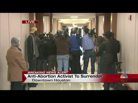 Anti-abortion activist Sandra Merritt free on bond; heading back to California