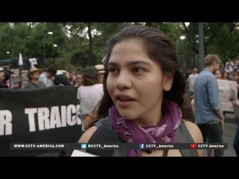 Mexican protesters demand resignation of Pres. Nieto