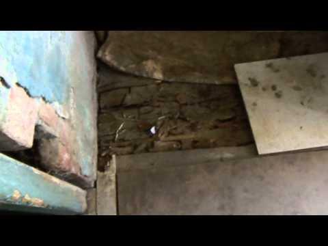 Кухня аварийного дома по одрсзу город Кузнецк молодая гвардия 158г