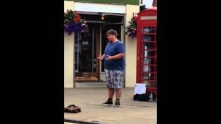 Amazing busker Matt Bond sings in Stratford upon Avon