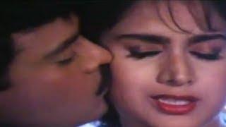 Ek Pappi Dede Mujhe - Video Song | Aaj Ka Goonda Raaj | Chiranjeevi & Minakshi Sheshadri