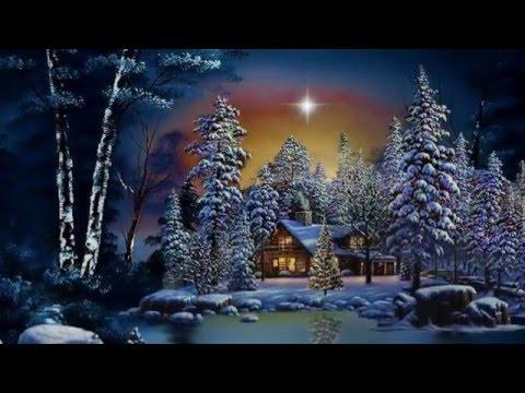 Ein weißes Schloss das in den Bergen steht - Fantasy