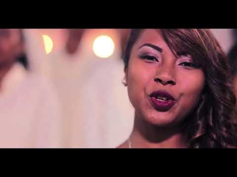 Gangstabab feat. Voara & Narindra :: Krismasy Foana (Video 2017)