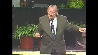 Dr. Lester Sumrall - Pioneers of the Faith
