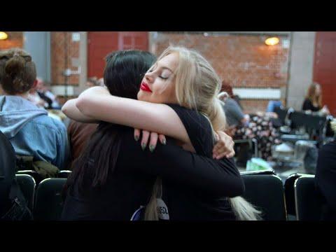 Känslostarkt när vännerna Marika och Amanda möter juryn i Idol 2017 - Idol Sverige (TV4)