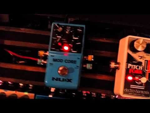 Cut the Rate of a Stereo Mod Pedal Using BOSS ES-8