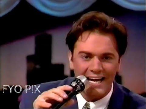 MARIO PELCHAT - Sur Ta Musique (Live / En Public) 1990