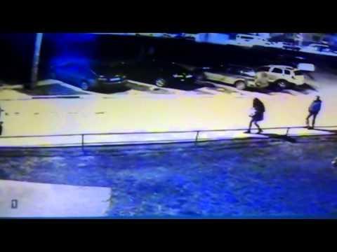 Видео с камеры наблюдения: в кадре пропавшая школьница