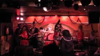 Lily Baibies 2011ハロウィンバージョンです。 ボーカル Sasammy オフィ...