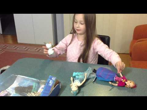 Oakley's excellent toy club. Review's the Frozen magical gift set