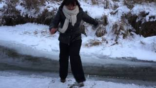 Женя ходит по воде)))) НГ14-15