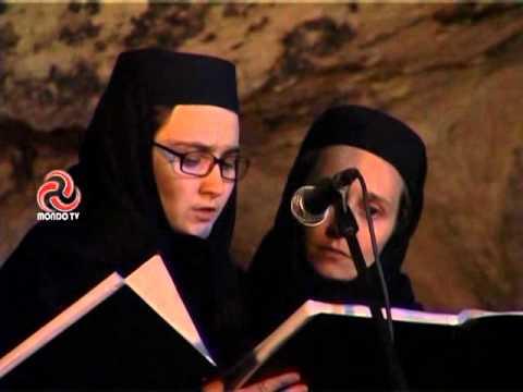 Maicile de la Manastirea DIACONESTI - Colindul prizonierilor romani din URSS   Stefan Tumurug