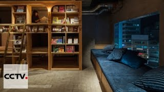 Tokyo's capsule hotel attracts book-lovers