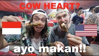 EATING MORE Indonesian Street Food!! (Sate Padang Ajo Ramon + Nasi Goreng)
