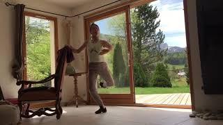Danse classique exercice des ronds de jambe au sol