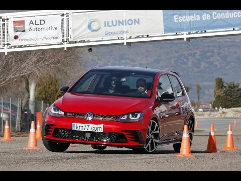 Volkswagen Golf GTI ClubSport 2013 - Maniobra de esquiva (moose test) y eslalon | km77.com