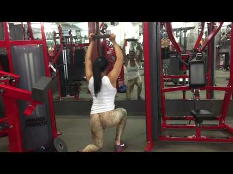 Booty Talk: Make that BUTT burn with THIS exercise