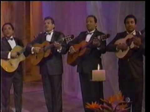 Los Dandys y Lupita Pineda - Tres Regalos