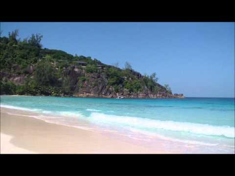 Сейшельские острова прогулка на пляж Petite Anse.