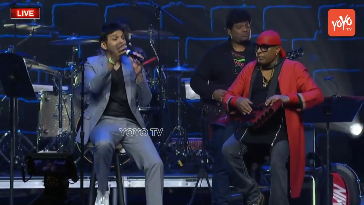 Singer Karthik Sings Hindi Melody Songs at World Telangana Convention |  Sivamani Drums | YOYO TV